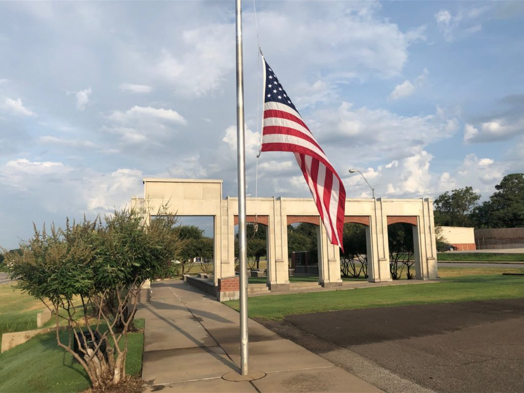 The Choctaw Veterans Memorial stands northwest of the intersection of Choctaw Road and NE 23rd Street. (Photo by Ryan Horton