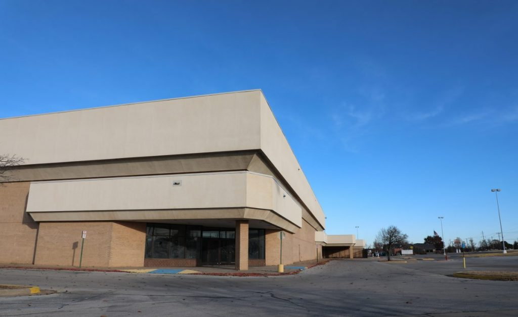 Midwest City is planning to buy the former Sears building at 6909 E. Reno Avenue. (Photo by Jeff Harrison)