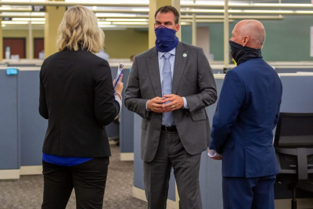 Gov. Kevin Stitt visits a COVID-19 contact tracing and case investigation call center in Oklahoma City. (Provided photo)