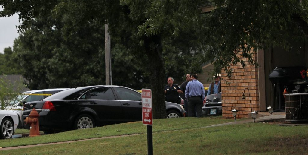 Midwest City police investigate a fatal shooting Wednesday afternoon at the Midwest Territory Apartments, 1505 N. Midwest Blvd. (Photo by Jeff Harrison)