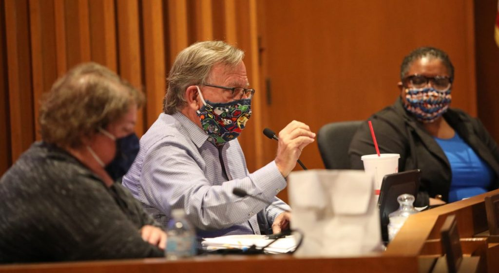 Councilman Pat Byrne discusses the city's mask mandate during a Sept. 22 city council meeting. (Photo by Jeff Harrison)